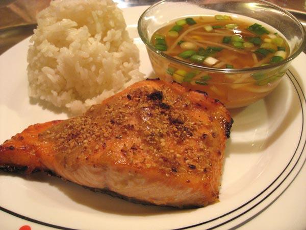 Broiled Sea Bass Salmon with Sesame Seeds