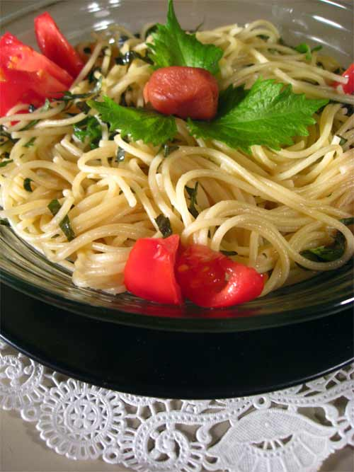 spaghetti with shiso, umeboshi, and tomatoes