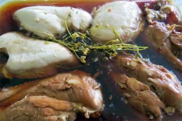 marinating-chicken_2693