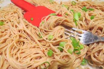 noodles mixed with Japanese sauce