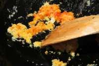 fry ginger, garlic, toban jan for mabo tofu